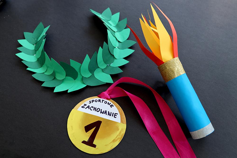Domowa Olimpiada – Stwórz prosty medal, wieniec i znicz olimpijski